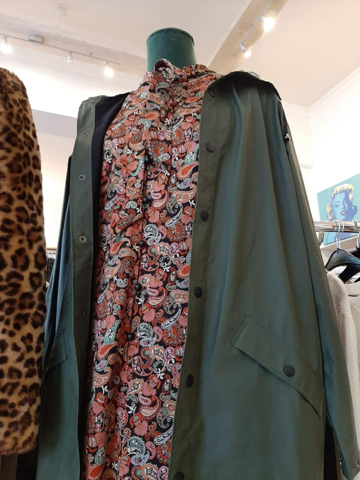 Klamotte-oben-und-unten-wasserdicht-Outfit #70 - Detail